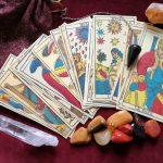 El Rol de los Colores en la Interpretación del Tarot